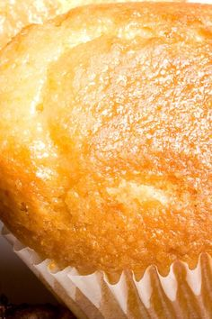 Honey Cornbread Muffins.....1 cup yellow cornmeal 1 cup all-purpose flour 1 tbsp baking powder 1⁄2 cup granulated sugar 1 tsp salt 1 cup whole milk 2 large egg 1⁄2 stick butter, melted 1⁄4 cup honey