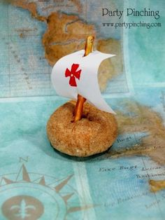 Dónuts que son barcos de pirata! Idóneo para tu fiesta pirata / Pirate ship doughnuts! Ideal for your pirate party