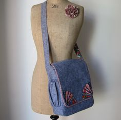 ❃ The Bloomsbury Bag Pattern from Flossie Teacakes + 7 Designer Messenger Bag Sewing Projects