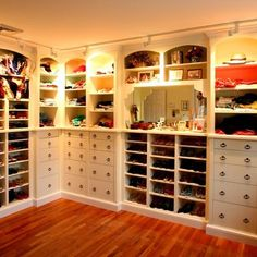 Now that is a closet!!