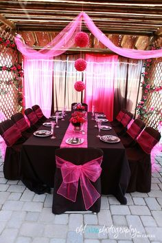 Pink and black Tablescape