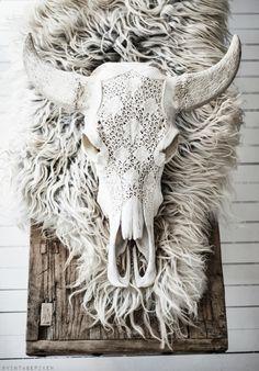 skulls, decor, interior, cow skull, furs, rustic homes, boho, raw beauty, design