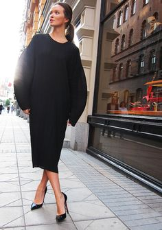 fashion, columbin smill, street style, dress, outfit, christian louboutin, accessories, black, street chic