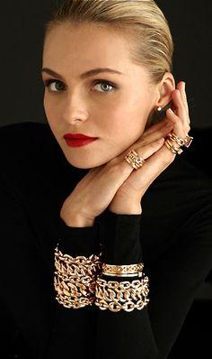 stacked bracelets, ralph lauren, accessori, red lips, black gold, gold jewelry, valentina zelyaeva, fine jewelry, couture fashion