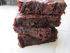 Healthy Fudge Brownie Recipe - HASfit Coconut Flour Brownies - Vegan Gluten Free Brownie Recipe  (use erithrytol instead of maple syrup)