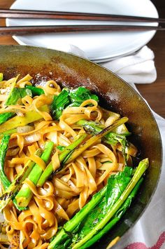 Vegetarian (and Vegan) Thai stir fried noodles, a very popular Thai Street food, with Chinese Broccoli (kai-lan). On the table in 15 minutes.