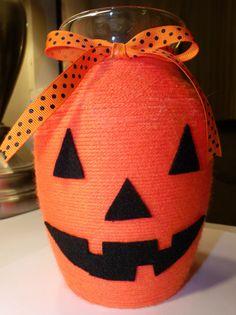 yarn jack-o-lantern-vase