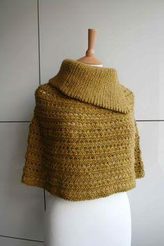 LuzPatterns.com Fall cowl poncho, #crochetpattern #crochetfall #pattern