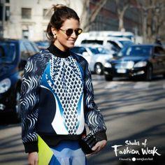 Print sweater, flowing skirt and rounded shape sunglasses - stylish and ladylike. Milan Fashion Week. #ShadesFashionWeek #MFW #sunglasses