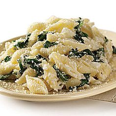 Spinach and Ricotta with Shells will quickly become a family favorite #meatlessmonday   http://www.rachaelraymag.com/Recipes/rachael-ray-magazine-recipe-search/dinner-recipes/spinach-and-ricotta-with-shells