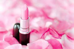 pink lipstick. <3