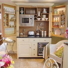 be still my heart....I love this~ tiny kitchen