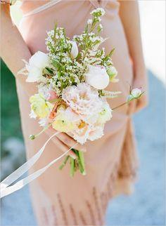 bridesmaid bouquet. pretty!