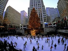 New York City's Rockefeller Center @ Christmas... on my bucket list, too!  But only if I can stay at the Plaza like Eloise! ;)