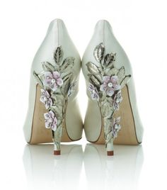 Omg drool. wedding shoes, dress, shoe designs, wedding heels, bride, bridal shoes, flower, green weddings, garden weddings