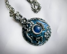Sooo , here I am again with the trusty Potato ^_^. Ok, so I want to share with you a little tutorial/walkthough of a fantasy amulet/pendant. Initally wanted ...