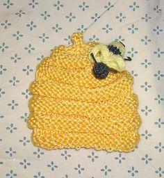 free knitting pattern.  Preemie beehive Hat with Bee