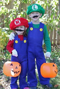 DIY Mario and Luigi Costumes!  Perfect for GT and Benjamin!