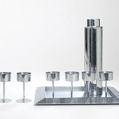 Wright-Manhattan cocktail set by Norman Bel Geddes
