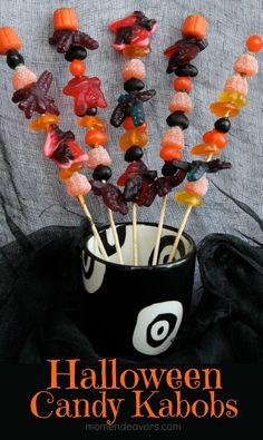 Halloween candy kabobs via momendeavors.com #Halloween #candy #treat