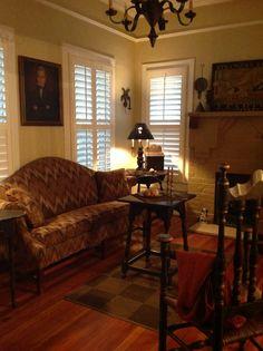 decor, livingroom, colonialprimit, hous, ceilings
