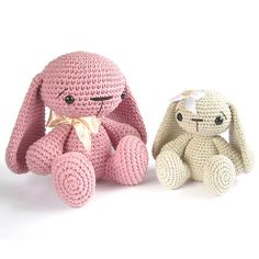 Ravelry: Sitting Bunny with floppy ears - Tutorial with photos - Cute baby toy - Difficulty: Easy pattern by Kristi Tullus.