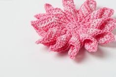 $2.50 12-spike flower crochet pattern
