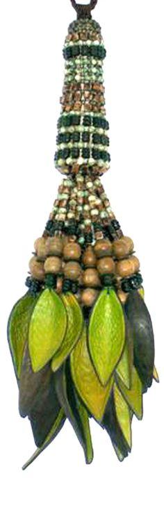 Pingentes feitos de Sementes Brasileiras - Tassel by TheMis