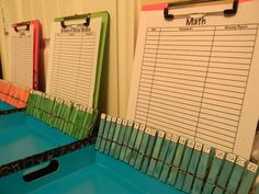 GENIUS!!! Turning in papers classroom idea, classroom reading organization, school, homework, 2nd grade classroom management, classroom book organization, papers, teacher resource organization, classroom organ