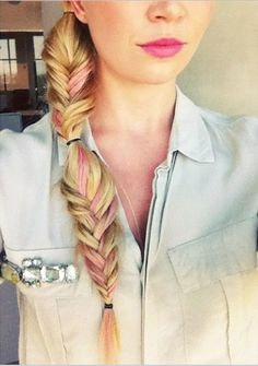Add a touch of pink to your fishtail for a perfect summer look!