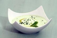 Recette de soupe de concombre rafraichie a la menthe