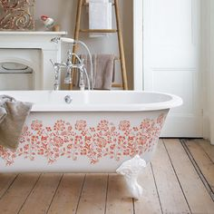 Stencil a cast iron claw-foot tub | Photo: James Gardiner/IPC Images | thisoldhouse.com