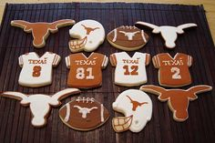 Longhorn cookies, what do you think Maurine??? #teamks #kendrascott