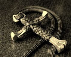This site has a ton of great paracord projects with directions, even videos diy ideas, craft, nail cross, stormdran blog, path, crosses, parachute cord, knot, paracord project