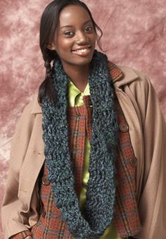Free Crochet Pattern: Patons Delish - Convertible Cowl