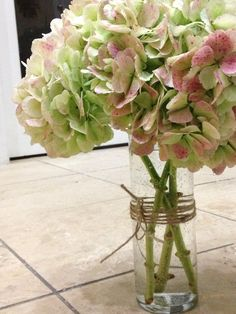 """something antique"" table arrangement - hydrangea (www.gloryfloraldesigns.com)"