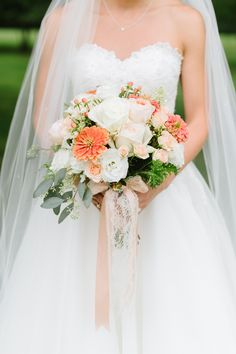 Photography: Natalie Franke - www.nataliefranke.com Read More: http://www.stylemepretty.com/2014/10/29/peach-summer-wedding-at-the-oaks/