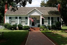 Helen Keller house, Tuscumbia, Alabama