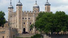 Tower of London  Castele si palate pline de istorie (partea 1) - galerie foto.  Vezi mai multe poze pe www.ghiduri-turistice.info  Sursa : http://pinterest.com/pin/17451517276085111/