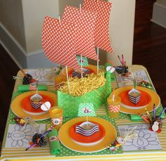 Kids' table goodness. i love the pinecone turkeys with the crayon feathers. Perfect.