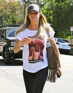 LeAnn Rimes Accuses Paparazzi Of Being 'Stalker-Ish', Delusional Liar?