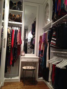 White Contemporary Closet, Vanity