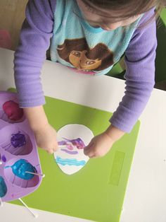 qtip Easter egg craft for toddlers    #Easter #EasterEggs