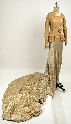 Wedding dress    Date:      20th century  Culture:      American