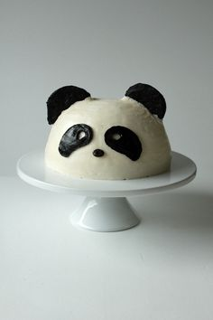 "Panda Cake ~ via this blog, ""Oh sweet Day!"" Desserts, Birthday, Edie Sweetie, Food, Things Sweets, Cupcakes Recipe, Pandas Cake, Adorable Cake, Yummm Sweets"