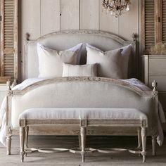 Eloquence Dauphine Upholstered Beach House Natural Bed #laylagrayce