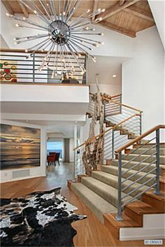 Cool contemporary look with loud and proud accents