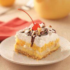 Banana Split Dessert from Veni Vidi Scrappy.  The perfect summer treat! #dessert #recipes