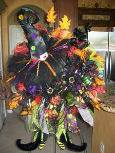 Halloween decor: witch wreath