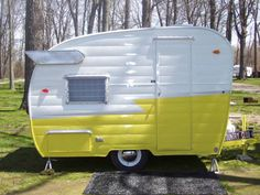 Kelle's 1961 Shasta Compact trailer.